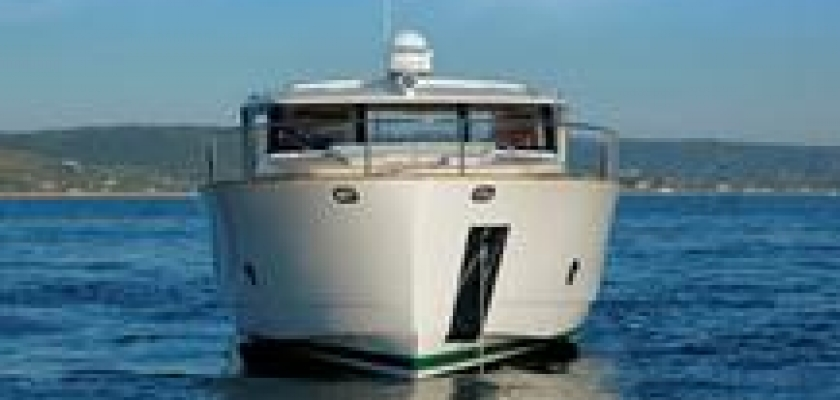 IYT Bareboat skipper power